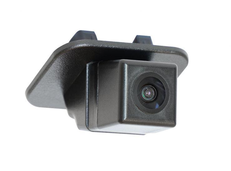 Штатная камера заднего вида Swat VDC-415 для Mazda CX-3